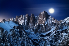 Mt-Whitney-Moonset-before-Sunrise