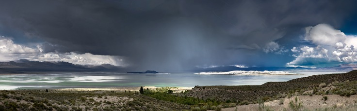 Unusual-View-Mono-Lake-Pano